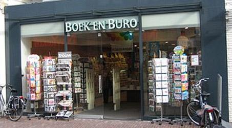 Boek en buro warnsveld